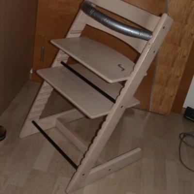 Kinderhochstuhl aus Holz 40€ - thumb
