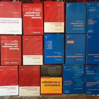 diverse JUS- Bücher aus den ersten Semestern - thumb