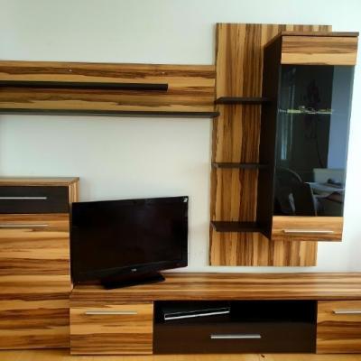 Wohnwand in schöner Holzoptik 4. teilig - thumb