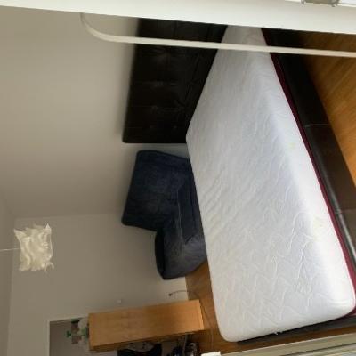 Neuwertige Couch und Bett zu vergeben VB 300€ - thumb
