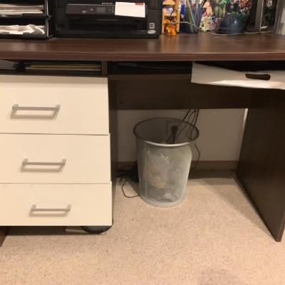 Schreibtisch zu verschenken - thumb