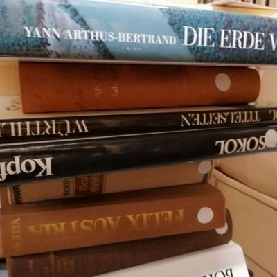 Verkaufe über 500 Bücher zu Toppreisen - thumb