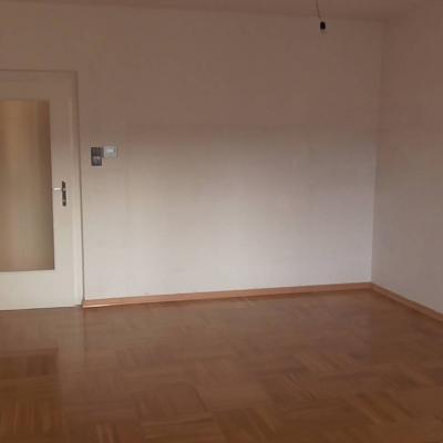3 Zimmer Wohnung zu verkaufen (WG geeignet) - thumb