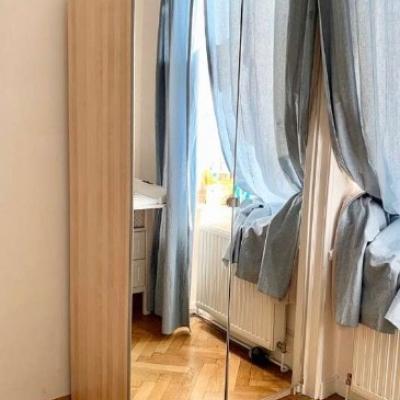Kleiderschrank + Lichtleisten um 100€ - thumb