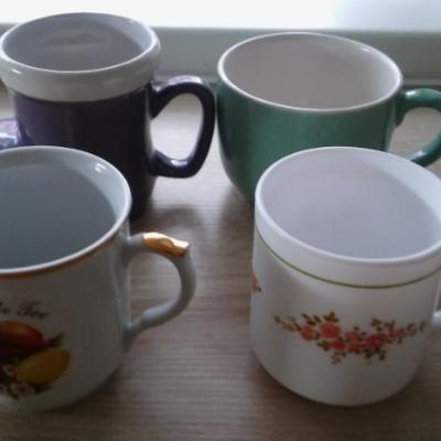 Mehrere Tassen/Schalen - thumb