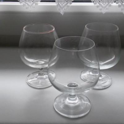 Mehrere Weingläser - thumb