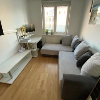 Sofa + Tisch + Regal - thumb