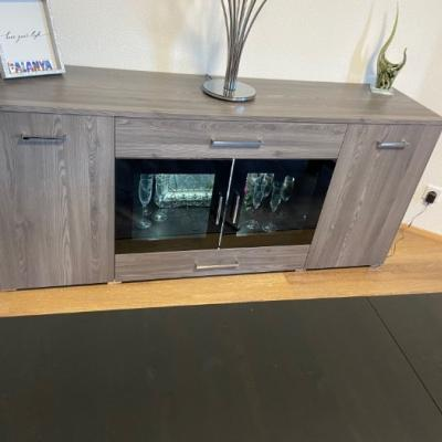 Sideboard mit Beleuchtung - thumb