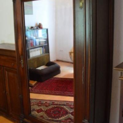 Gut erhaltene Möbel mit Pfiff - thumb