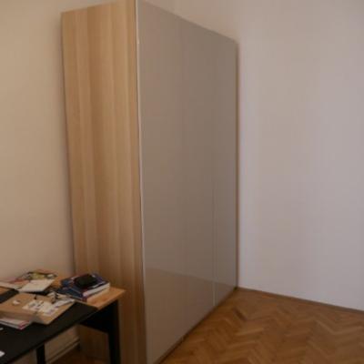 Kleiderschrank (Neuwertig) 450 € - thumb