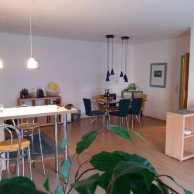Möblierte Wohnung für 2 Studenten mit Balkon - thumb