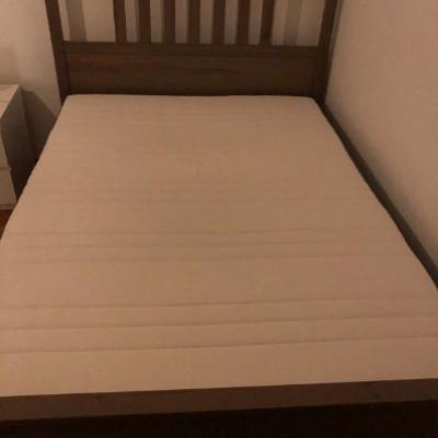 Bett und Kleiderschränke zu verkaufen - thumb