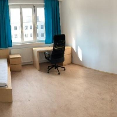 Schönes Zimmer in 3er Wg am Bahnhofplatz - thumb