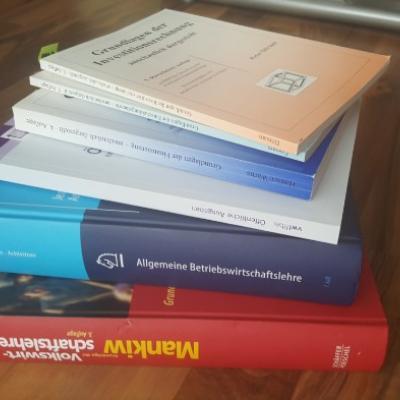 Diverse Fachbücher BWL/VWL - thumb