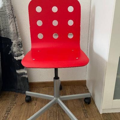 Günstiger Schreibtischstuhl erhältlich! - thumb