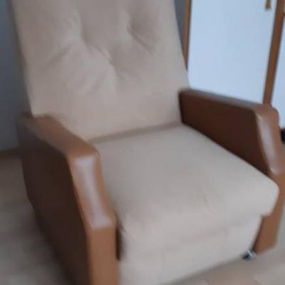 BIETE  günstig :  hochwertige, neuwertige Möbelstücke - thumb
