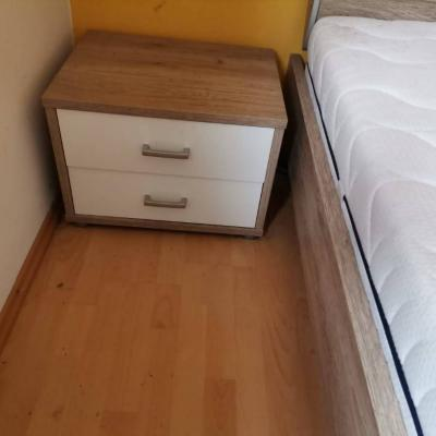 Verkaufe neuwertige Schlafzimmereinrichtung inkl. Lattenrost und Matra - thumb