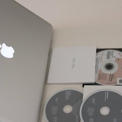 MacBook Pro - thumb