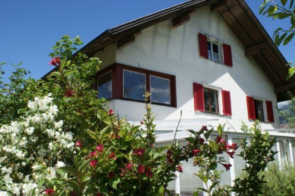 430.- / Zimmer in großem Haus mit Garten/ WG