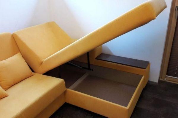 Couch 2v1 mit lotusblütten effekt
