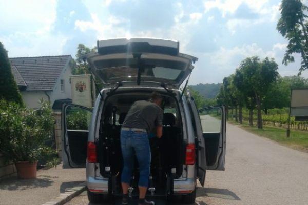 Flexibler Chauffeur für Rollstuhlfahrer gesucht