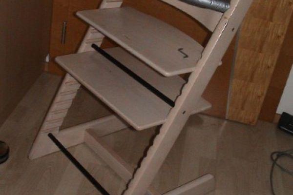 Kinderhochstuhl aus Holz 40€