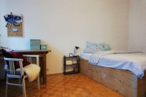 gemütliches Altbau-Zimmer ( 20m²) in 3er WG