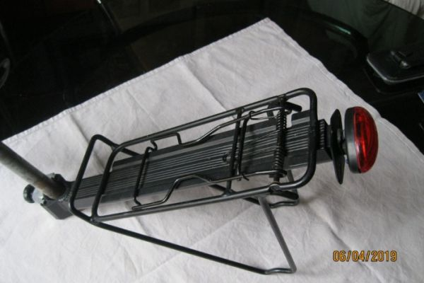 Der Besondere Fahrrad-Gepäckträger aus ALU