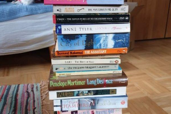 75 Englische Bücher günstig zu verkaufen