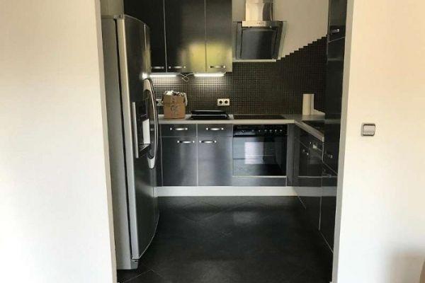 EUR 800,- Hochglanzküche inkl. Elektrogeräte