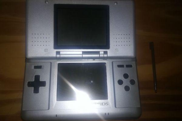 Nintendo DS, neuwertig, sehr guter Zustand
