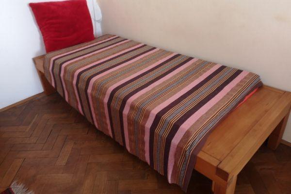 Vollholz Einzelbett Maßanfertigung um € 120,-