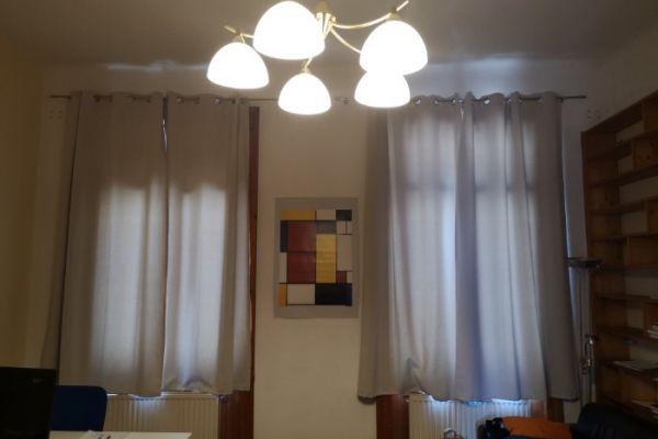 Blickdichte Vorhänge sowie Vorhangstangen um € 30