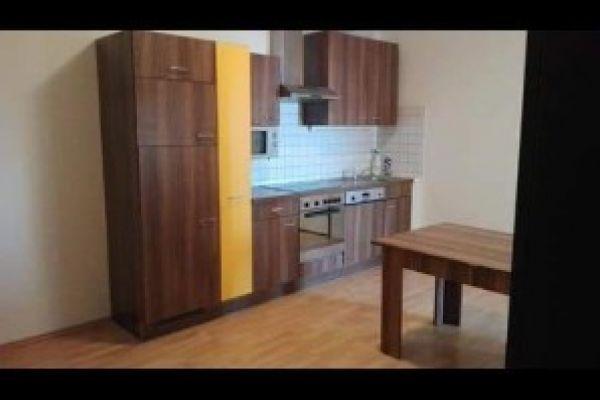 Vermiete ein Zimmer in 4er Wg in Wels Stadtmitte