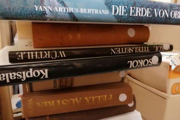 Verkaufe über 500 Bücher zu Toppreisen