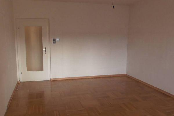 3 Zimmer Wohnung zu verkaufen (WG geeignet)