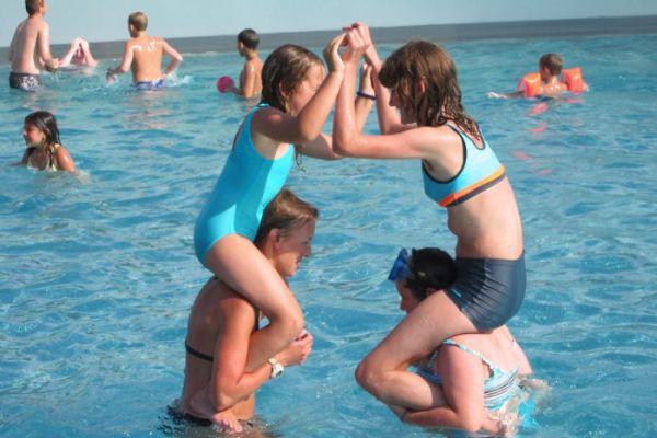 BetreuerInnen für Feriencamps gesucht