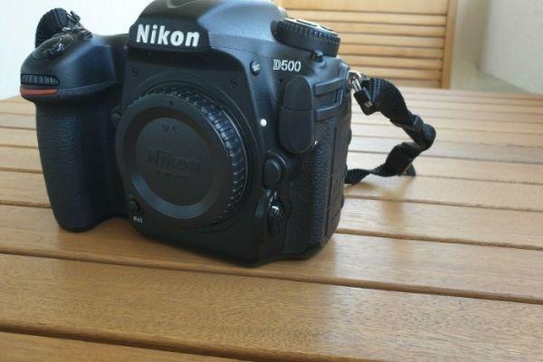Nikon D500 Kamera in einwandfreiem Zustand