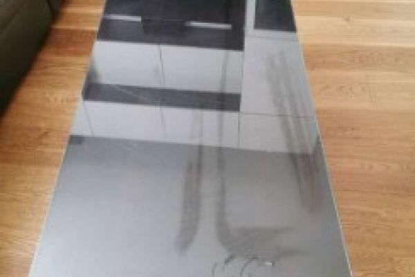 Ikea Tisch Schwarzbraun mit glasplatte