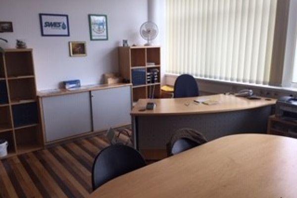 Büromöbel Neudorfler