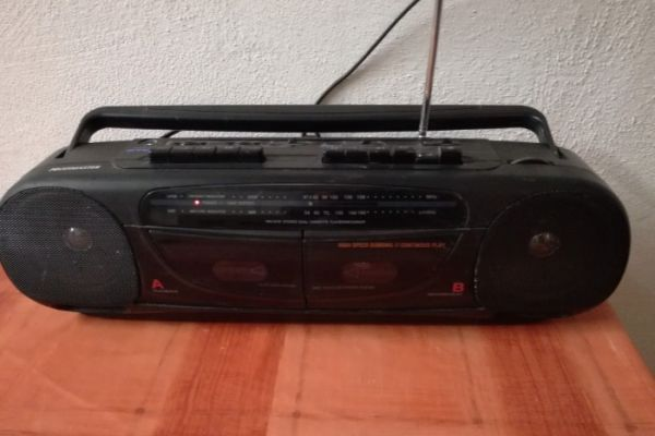 Radio mit Kassettenteil