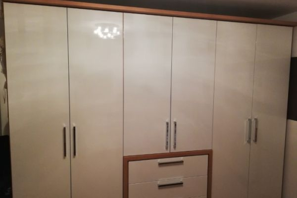 Kleiderschrank 790€
