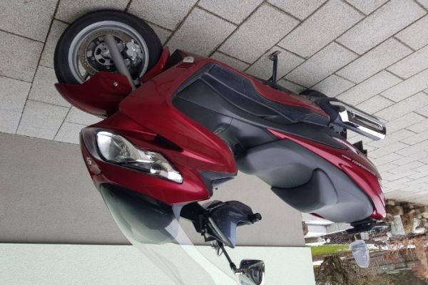 Roller Suzuki Burgmann 400 AN