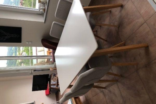 Esszimmertisch & Stühle