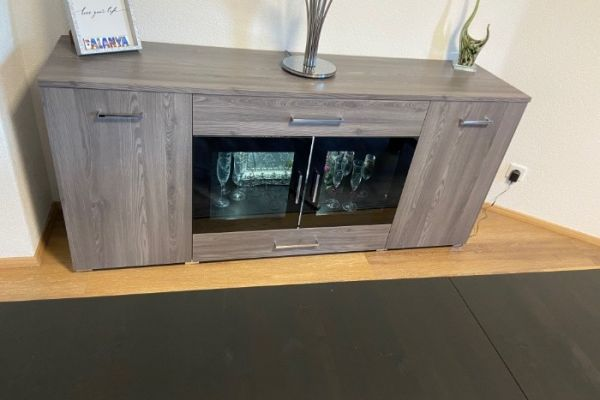 Sideboard mit Beleuchtung