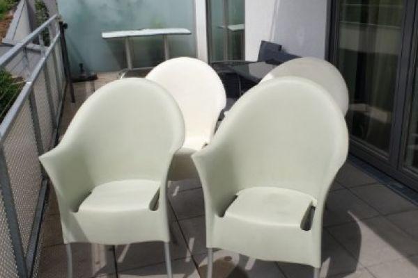 4 Gartenstühle zu verschenken
