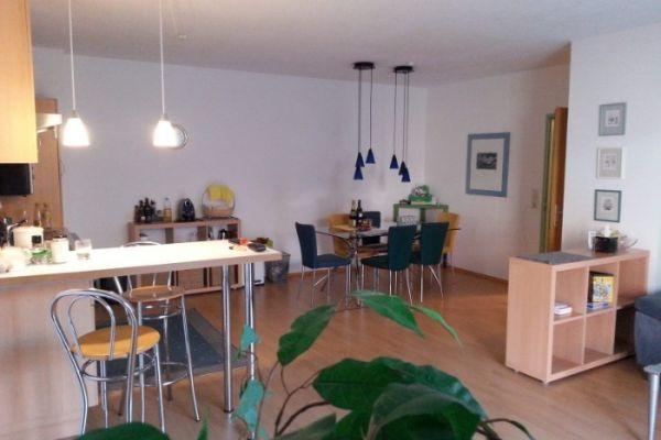 Möblierte Wohnung für 2 Studenten mit Balkon