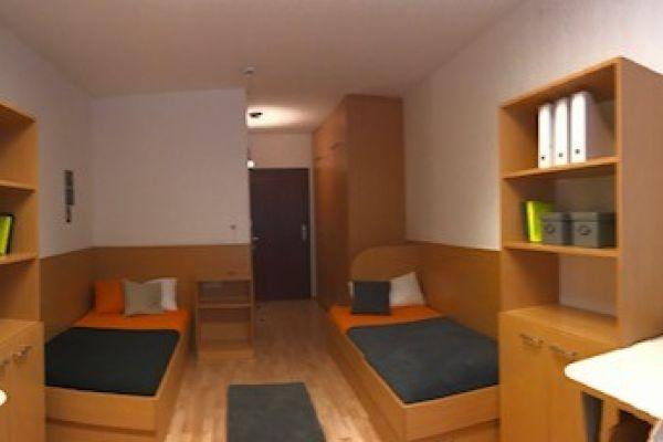 Doppelzimmerplatz zu vermieten
