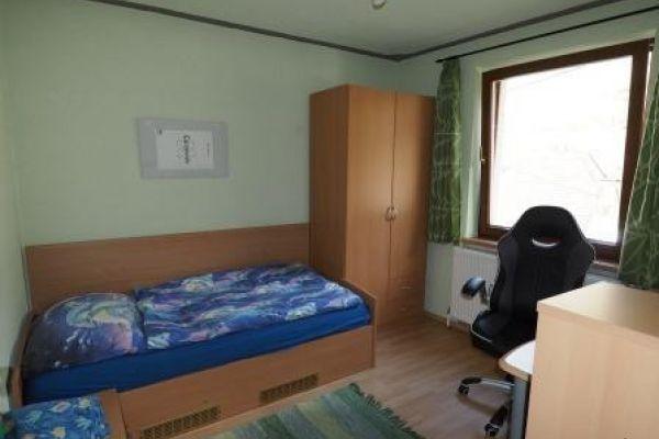 Mädchen 3er Wg 1 Zimmer € 290,- Bk+Ek+Int inkl