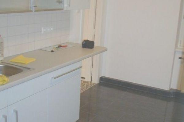 Privat, 2 Zimmer, ruhig, renoviert, Nähe U1